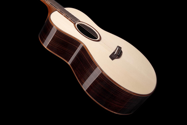 Red Plus SR Povrchová Úprava Furch Guitars